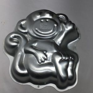 Wilton Monkey Cake Pan 2008 Part # 2105-1023